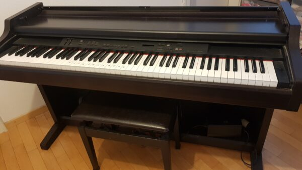 Yamaha Clavinova CLP-840 Piano